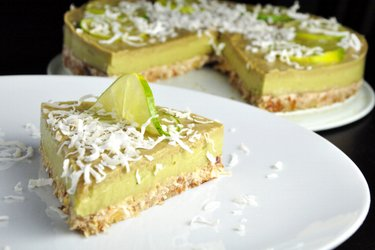 Torta de limão e abacate (crudívora e sem glúten)