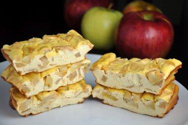 Barrinhas proteicas de cheesecake de maçã (sem glúten e sem açúcar)