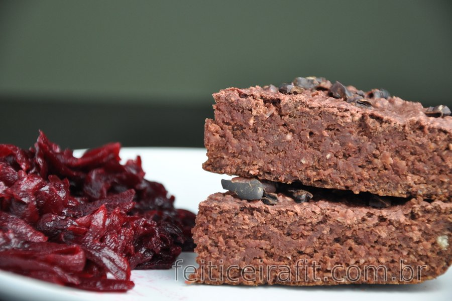 Brownies de aveia e beterraba (sem glúten)