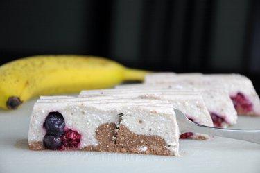 Torta de banana e queijo quark crudívora (sem glúten)