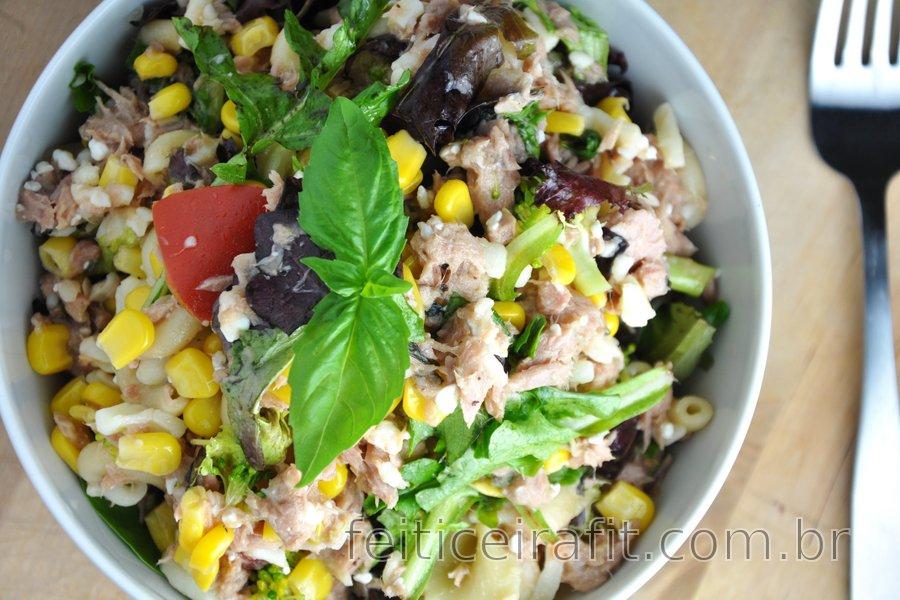 Salada de macarrão fit com atum