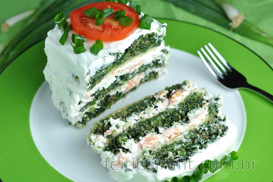 Torta salgada de espinafre fit com salmão