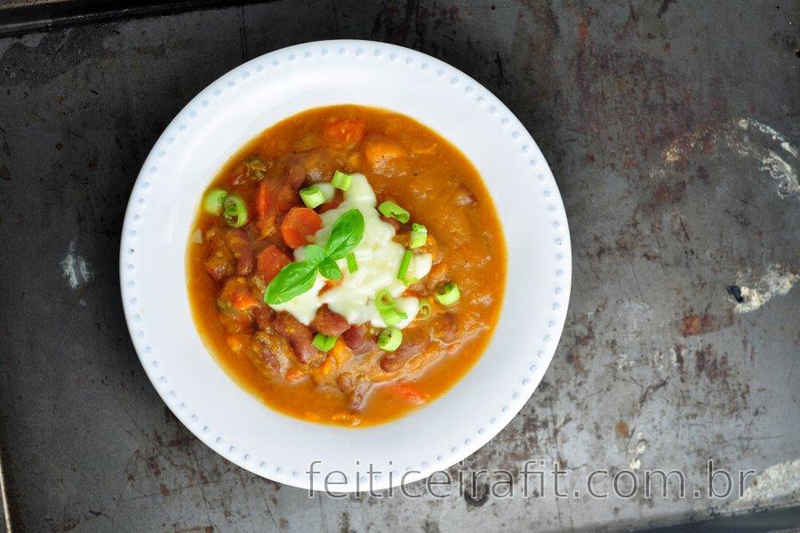 Sopa de feijão com batata-doce