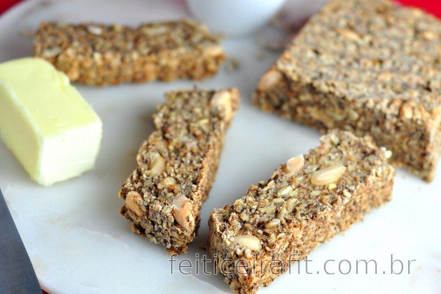 Pão saudável de aveia e sementes (sem glúten)