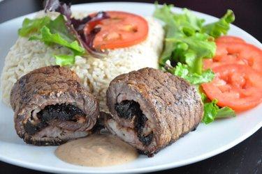 Rolinhos de carne com ameixa