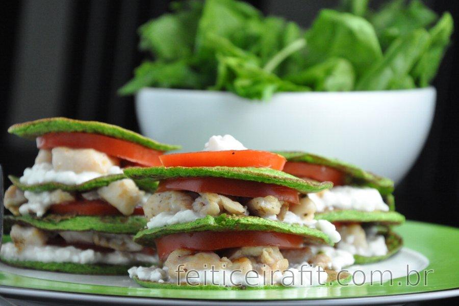 Panquecas de espinafre e frango