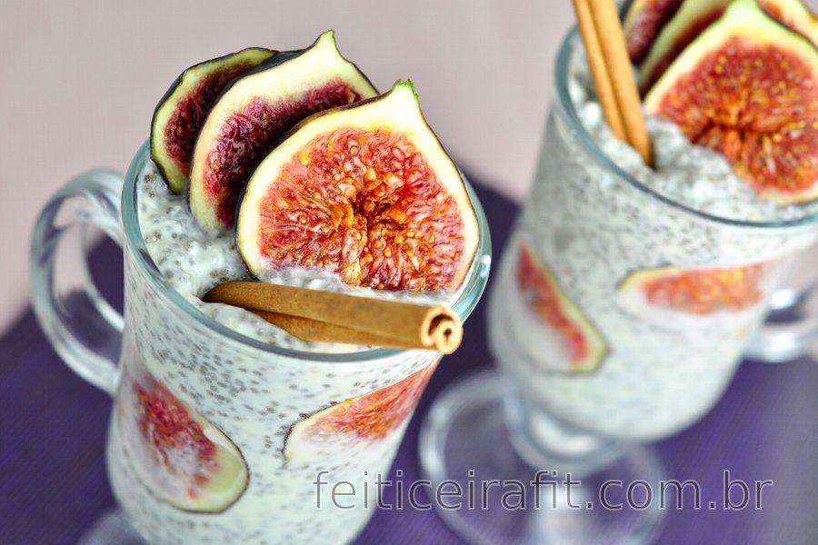 Pudim de figo saudável com chia e coco