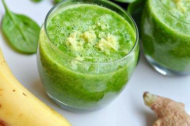Suco verde tropical para aumentar a imunidade