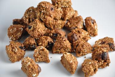 Cereal matinal caseiro de chocolate e coco